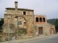 Vista lateral de Can Coll a l'avinguda de la Mare de Déu de Montserrat