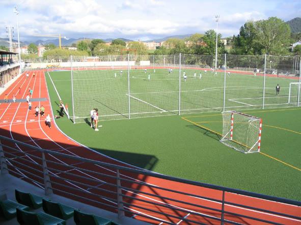 Zona Esportiva Municipal, a la vora del riu Mogent