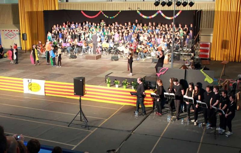 Música, dansa i teatre comparteixen escenari a la Cantata de Sant Jordi