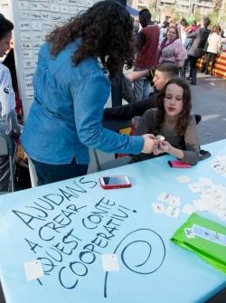 23-04-2015 - Activitats infantils i juvenils a la plaça de Pau Picasso