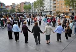 23 d'abril - Sardanes a la plaça de Pau Picasso