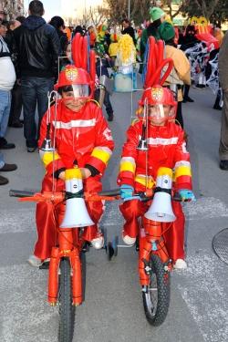 13 de febrer - Els Bicibombers - Primer premi infantil parella del concurs de disfresses