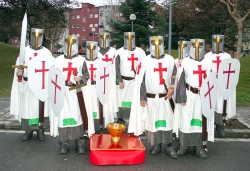 "Concurs de disfresses - 1r premi adults grup: ""Los templarios"""