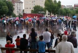Pluja durant la demostració de dansa i música de Montornès (l'activitat es trasllada al teatre)