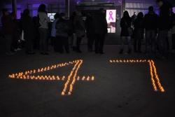Encesa d'espelmes per les víctimes de la violència masclista