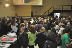 El Teatre ple de persones disposades a participar en la iniciativa
