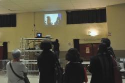 També s'ha projectat un vídeo elaborat pels infants del Centre Infantil la Peixera i joves del Centre Juvenil Satèl·lit