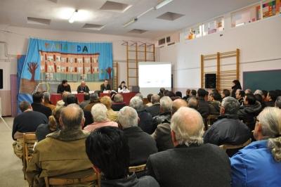 Sessió informativa sobre els ajuts a la rehabilitació d'edificis al gimnàs de Marinada