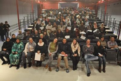 """Foto de família del Dispositiu d'Inserció Laboral """"DIL Barri"""" 2016"""