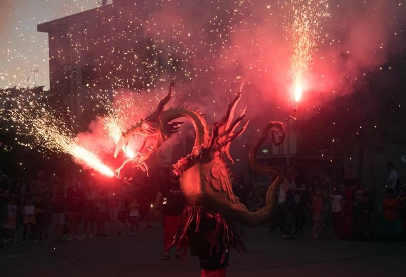 Correfoc amb la colla de Drac i Diables. Foto: Ajuntament de Montornès. Autor: J.A Jiménez.