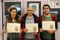 D'esquerra a dreta: Laia Arjona, Manuel Tejada i José Luis Cano, guanyadors del concurs
