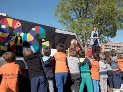 XI Marató de Contes a la plaça de Pau Picasso