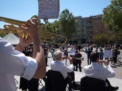 Ballada de sardanes amb la Cobla Genisenca a la plaça de Pau Picasso