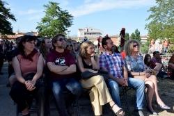 Representants polítics de Montornès i Vallromanes i, al mig, la primera padrina de La Remençada, la cuinera Ada Parellada