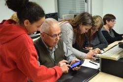Intercanvi generacional entre joves del programa RAI-ESO i usuaris del Casal de la Gent Gran