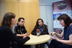 Exolina Aldana i Fayrin Enrique Suárez de COMULACS, le regidora de Cooperació de l'Ajuntament Helena Ollé i la representant d'Alternativa3