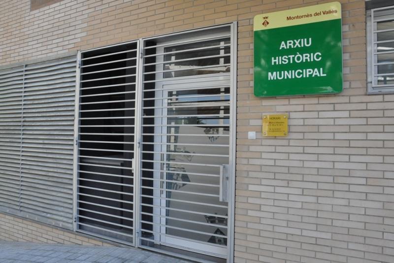 Façana de l'Arxiu Històric Municipal del carrer de la Pau