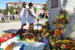 Ofrenes florals al voltant del monòlit de l'Onze de Setembre (2017)