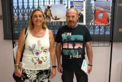 """Ángels Benseny i José Antonio Pérez, guanyadors del concurs """"La samarreta viatgera"""" 2018"""
