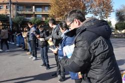 La cadena humana de l'Institut Marta Mata ha començat a la plaça de Pau Picasso