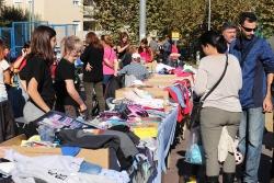 Mercat de segona mà a la plaça de Pau Picasso