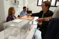 Una de les meses electorals constituïdes a Montornès