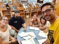 L'equip de professionals de la Biblioteca  (Foto: Facebook Biblioteca de Montornès)