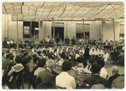 Festa dels avis a l'envelat de La Lira. Dècada dels 60 del segle XX. Cedida per en Josep Saborit.