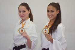 Teresa López i Wiam Koubiss amb les medalles del Campionat d'Espanya