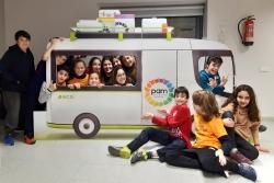 El Consell d'infants amb la furgoneta del PAM 2020-23