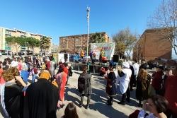 Animació a la pl. del Poble durant el Carnaval Infantil