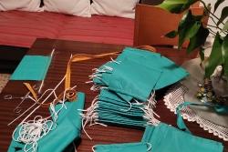 Mascaretes elaborades per les cosidores voluntàries de la xarxa #cuidemnosmontornes