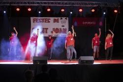 Actuació de la Comissió de Festes de Montornès Nord