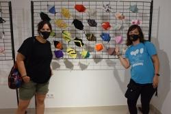 Eli Carrillo i Raquel Peña, dues integrants del grup impulsor de l'Associació Globus pels Valents