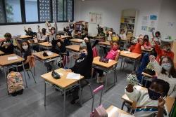 Una classe de l'Escola Palau d'Ametlla amb les mascaretes de la xarxa #CuidemnosMontornès.