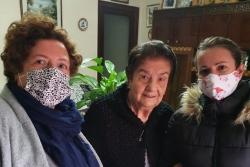 Lliurament d'obsequis a persones grans