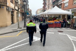 Patrulla mixta de la Policia Local i els Mossos d'Esquadra