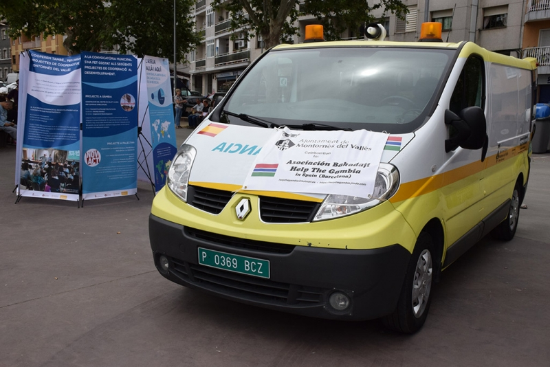 L'ambulància del projecte desenvolupat amb l'entitat Bakadaji Help The Gambia