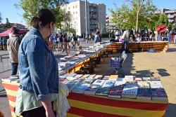Llibres a la plaça de Pau Picasso