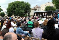 15/09/2013 - Demostració de dansa i música (Pl. de Pau Picasso)