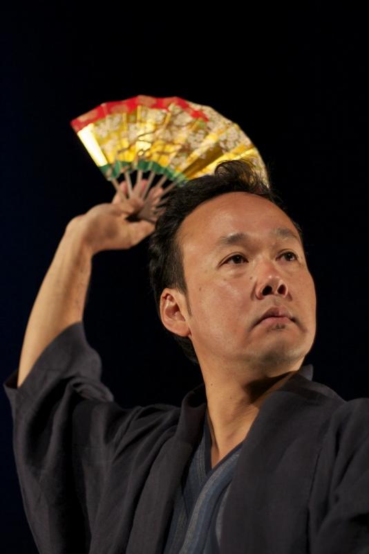 """Un moment de l'espectacle """"Cuentos del Japón"""" amb Yoshi Hioki"""