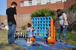 Participants en les activitats del Dia Internacional del Joc al CI Pintor Mir
