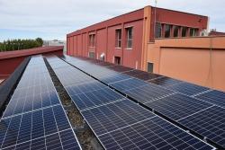 Plaques fotovoltaiques al CEM Les Vernedes.