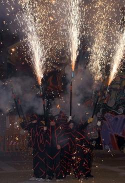 28-11-2009 - Coorefoc a les Rambles amb la Colla de Drac i Diables