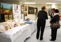 Exposició de labors al Casal de la Gent Gran Centre (2013)