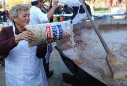29-11-2013 - Paella popular a la plaça de Pau Picasso