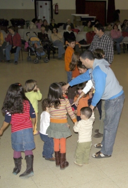 21-11-2006 - Animació infantil al Teatre Municipal (Activitat de Sta. Cecília)
