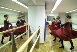 22-11-2006 - Portes obertes a l'equipament del c. de Can Parera i demostració de l'Escola Municipal de Dansa