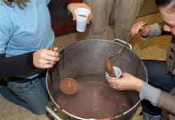 29-11-2007 - Xocolatada a la plaça de Margarita Xirgu
