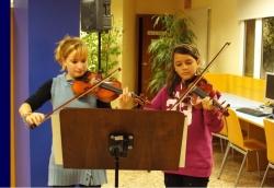 28-11-2008 - 40 aniversari de la Biblioteca de Montornès - Actuació d'alumnes de l'Escola Municipal de Música